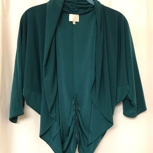 Jackets & Blazers - EUC Emerald green batwing shrug